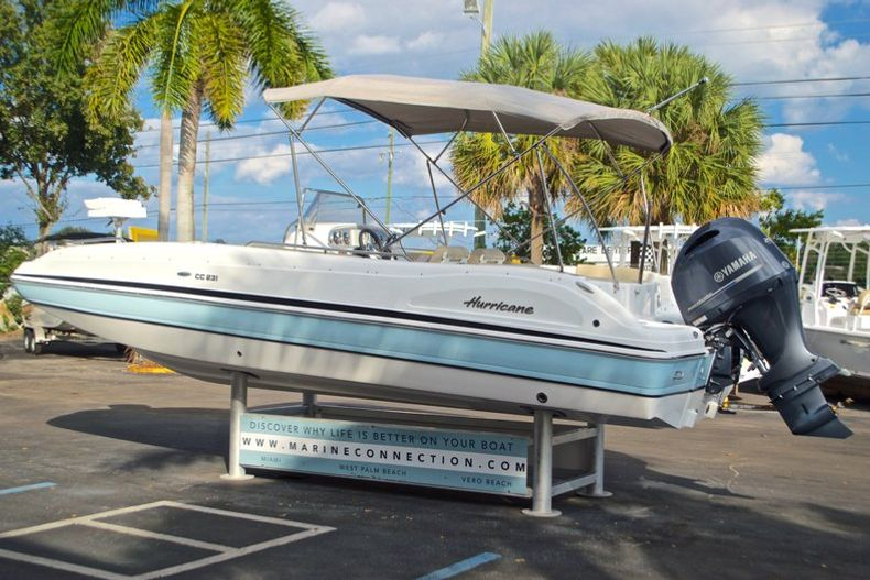 Thumbnail 5 for New 2017 Hurricane Sundeck Sport SS 231 OB boat for sale in West Palm Beach, FL