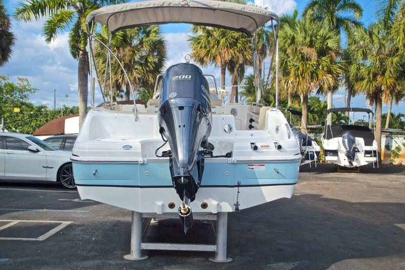 Thumbnail 6 for New 2017 Hurricane Sundeck Sport SS 231 OB boat for sale in West Palm Beach, FL