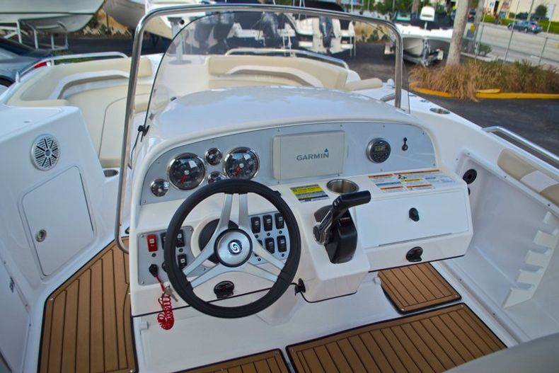 Thumbnail 25 for New 2017 Hurricane Sundeck Sport SS 231 OB boat for sale in West Palm Beach, FL