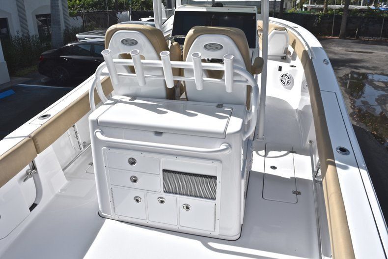 Thumbnail 8 for New 2019 Sportsman Open 282 Center Console boat for sale in Miami, FL