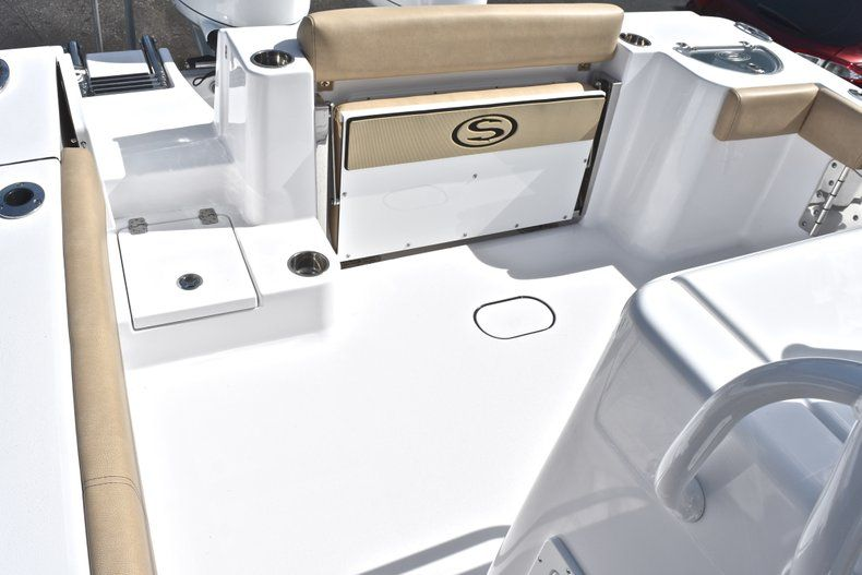 Thumbnail 9 for New 2019 Sportsman Open 282 Center Console boat for sale in Miami, FL
