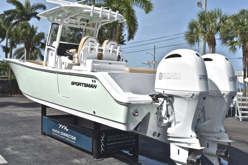 Thumbnail 5 for New 2019 Sportsman Open 282 Center Console boat for sale in Miami, FL