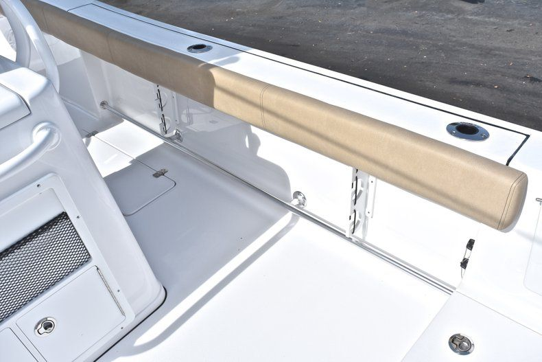 Thumbnail 15 for New 2019 Sportsman Open 282 Center Console boat for sale in Miami, FL