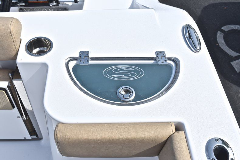 Thumbnail 13 for New 2019 Sportsman Open 282 Center Console boat for sale in Miami, FL