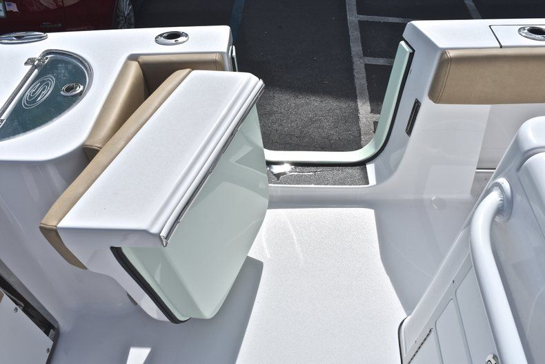 Thumbnail 17 for New 2019 Sportsman Open 282 Center Console boat for sale in Miami, FL
