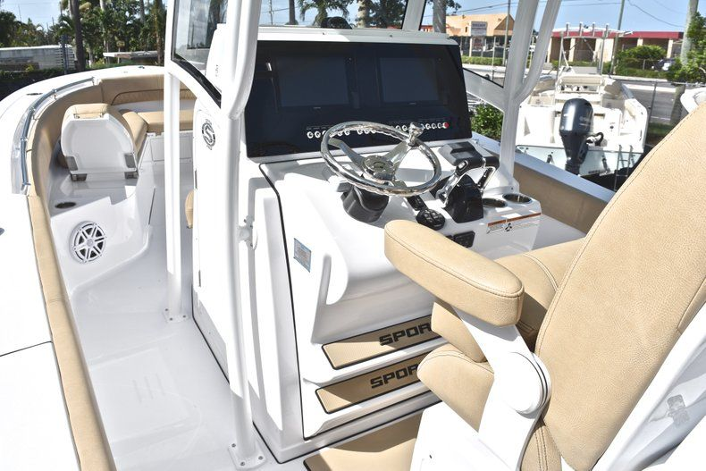 Thumbnail 38 for New 2019 Sportsman Open 282 Center Console boat for sale in Miami, FL