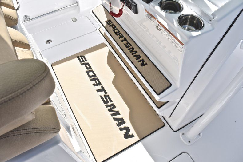 Thumbnail 49 for New 2019 Sportsman Open 282 Center Console boat for sale in Miami, FL