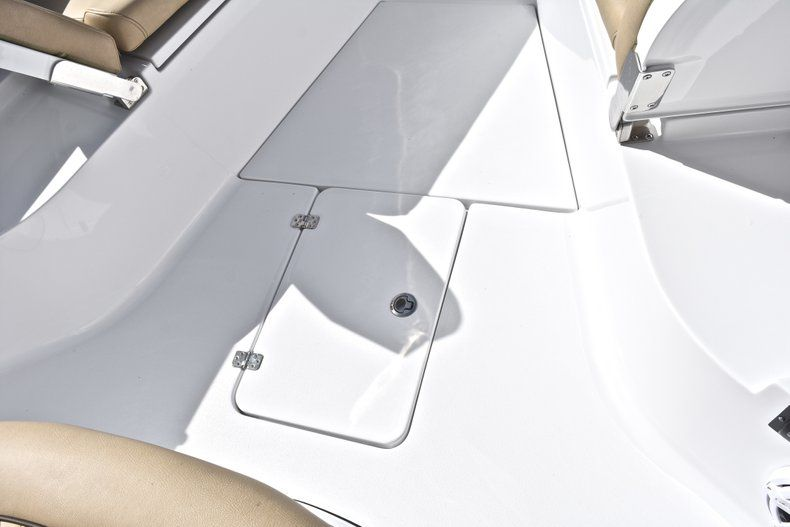 Thumbnail 59 for New 2019 Sportsman Open 282 Center Console boat for sale in Miami, FL