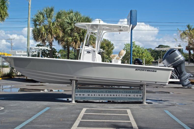Thumbnail 5 for New 2017 Sportsman Masters 247 Bay Boat boat for sale in West Palm Beach, FL