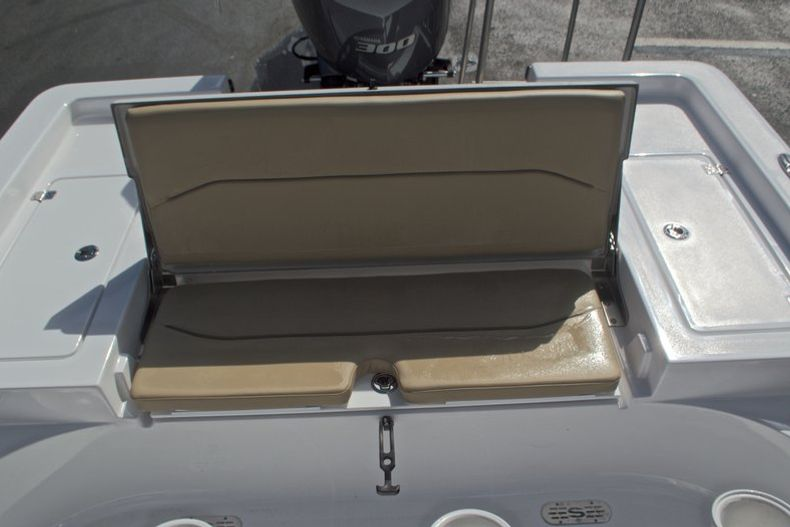 Thumbnail 16 for New 2017 Sportsman Masters 247 Bay Boat boat for sale in West Palm Beach, FL