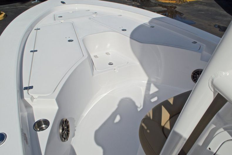 Thumbnail 42 for New 2017 Sportsman Masters 247 Bay Boat boat for sale in West Palm Beach, FL