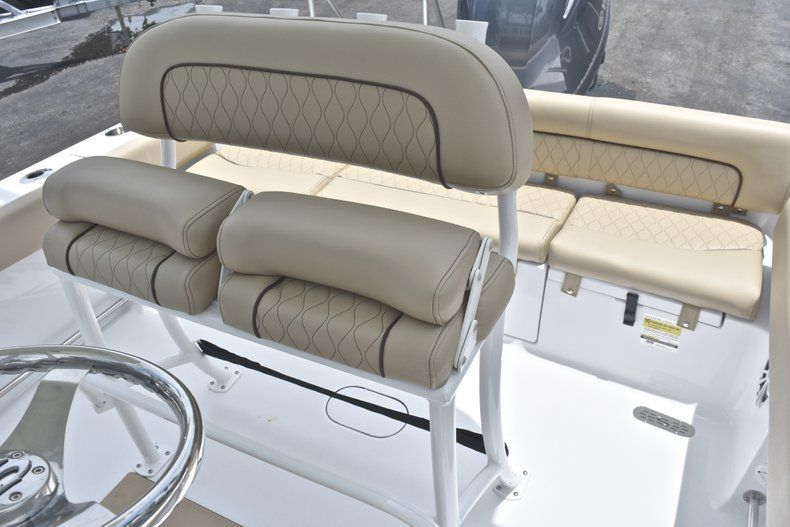 Thumbnail 19 for New 2018 Sportsman Heritage 211 Center Console boat for sale in Vero Beach, FL