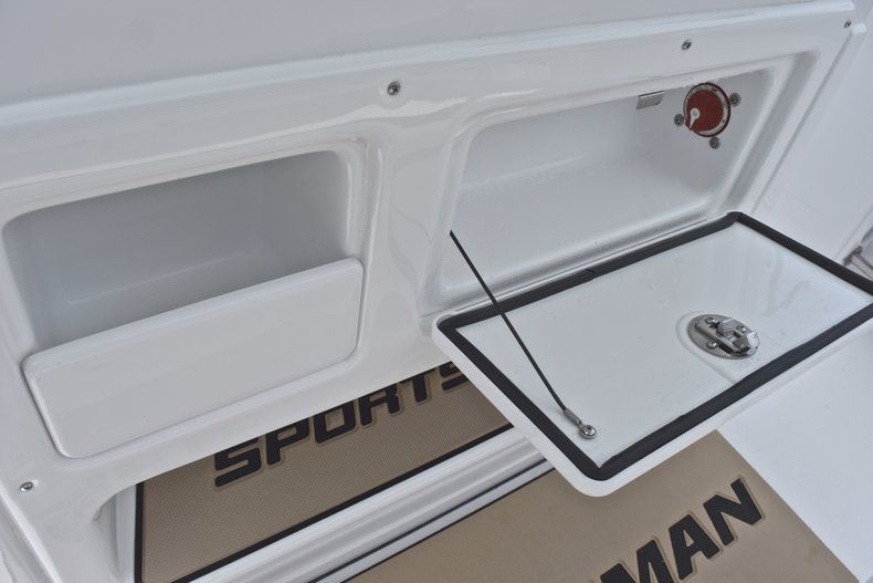 Thumbnail 31 for New 2018 Sportsman Heritage 211 Center Console boat for sale in Vero Beach, FL
