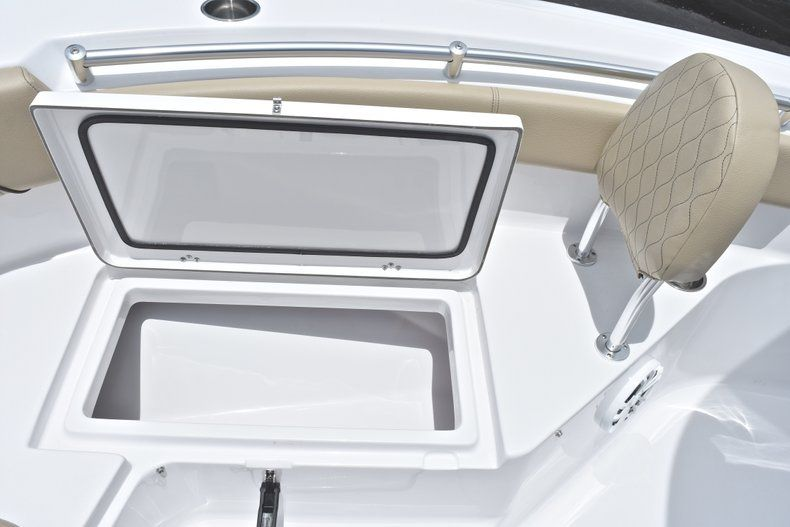 Thumbnail 45 for New 2018 Sportsman Heritage 211 Center Console boat for sale in Vero Beach, FL