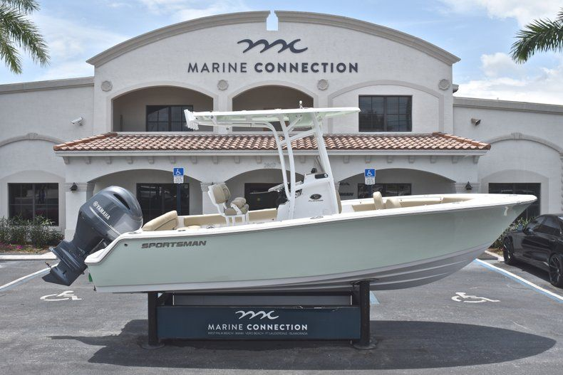 Thumbnail 0 for New 2018 Sportsman Heritage 211 Center Console boat for sale in Vero Beach, FL