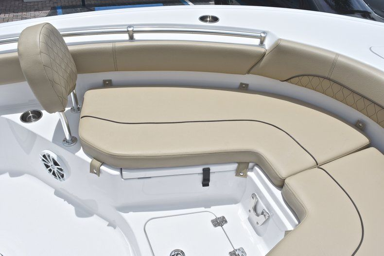 Thumbnail 42 for New 2018 Sportsman Heritage 211 Center Console boat for sale in Vero Beach, FL