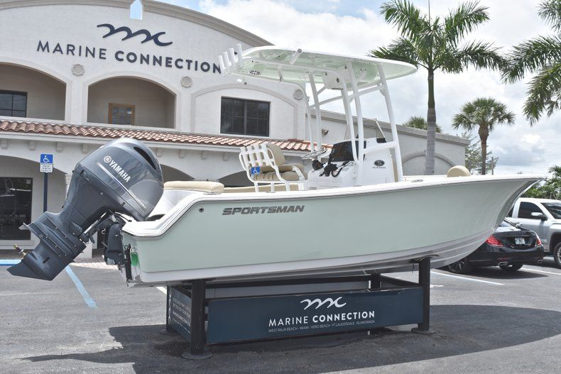 Thumbnail 7 for New 2018 Sportsman Heritage 211 Center Console boat for sale in Vero Beach, FL