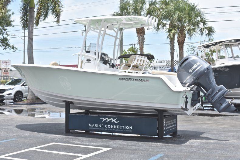 Thumbnail 5 for New 2018 Sportsman Heritage 211 Center Console boat for sale in Vero Beach, FL