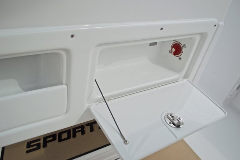 Thumbnail 34 for New 2017 Sportsman Heritage 211 Center Console boat for sale in West Palm Beach, FL