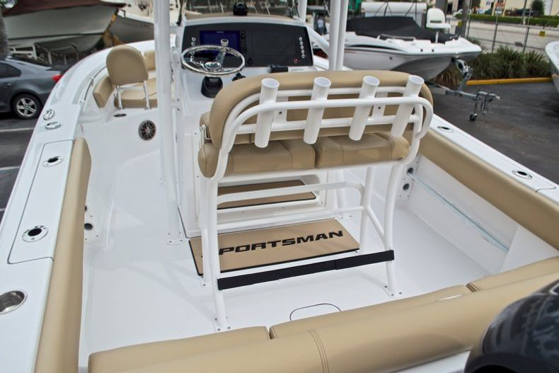 Thumbnail 10 for New 2017 Sportsman Heritage 211 Center Console boat for sale in West Palm Beach, FL