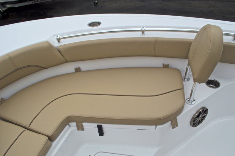 Thumbnail 49 for New 2017 Sportsman Heritage 211 Center Console boat for sale in West Palm Beach, FL
