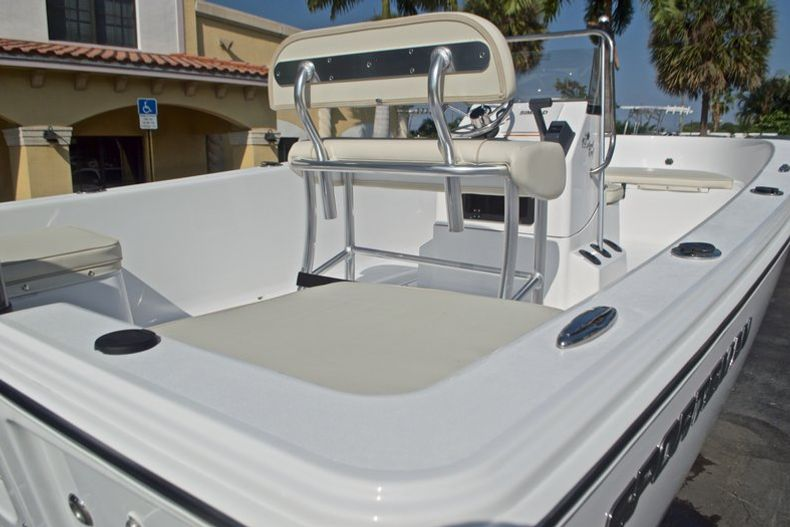 Thumbnail 8 for New 2017 Sportsman 19 Island Reef boat for sale in West Palm Beach, FL