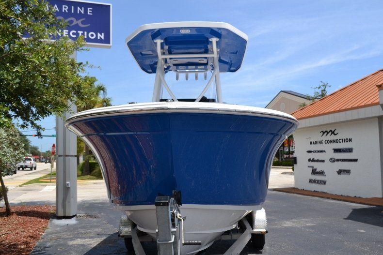 Thumbnail 2 for New 2019 Blackfin 212CC Center Console boat for sale in Vero Beach, FL