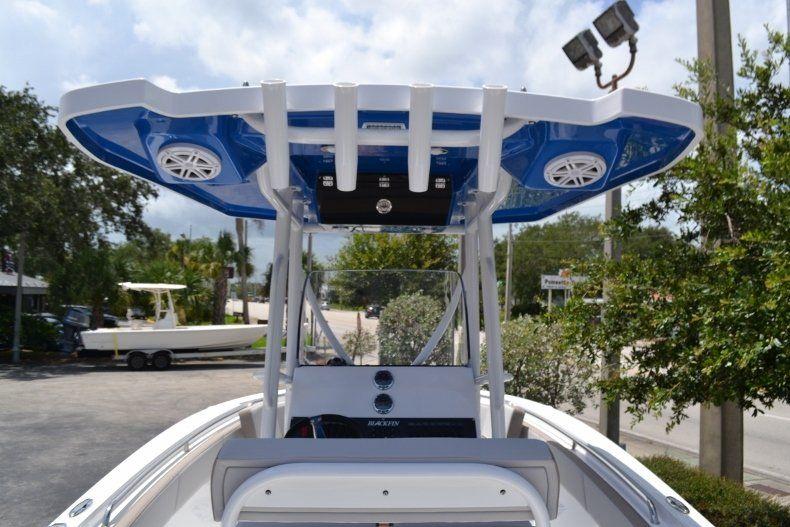 Thumbnail 12 for New 2019 Blackfin 212CC Center Console boat for sale in Vero Beach, FL