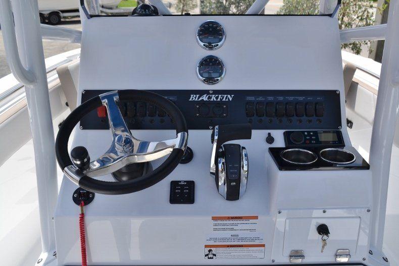 Thumbnail 13 for New 2019 Blackfin 212CC Center Console boat for sale in Vero Beach, FL