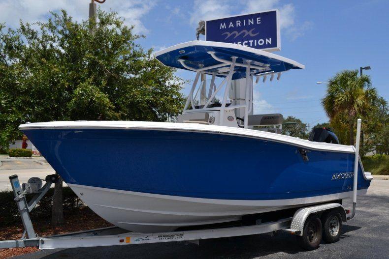 Thumbnail 1 for New 2019 Blackfin 212CC Center Console boat for sale in Vero Beach, FL