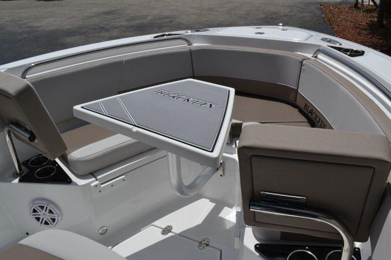 Thumbnail 26 for New 2019 Blackfin 212CC Center Console boat for sale in Vero Beach, FL