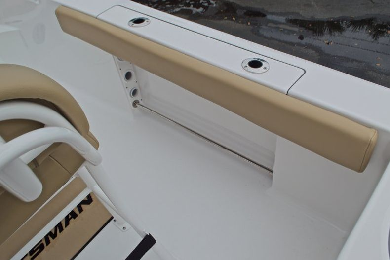 Thumbnail 22 for New 2017 Sportsman Open 212 Center Console boat for sale in Miami, FL