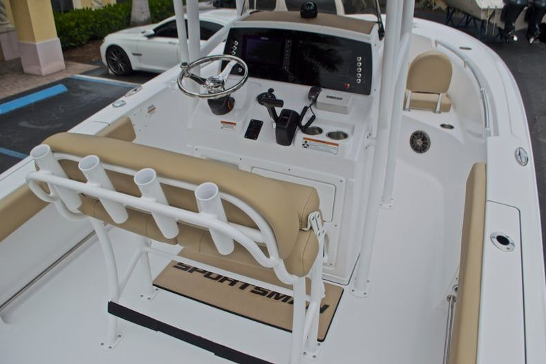 Thumbnail 12 for New 2017 Sportsman Open 212 Center Console boat for sale in Miami, FL