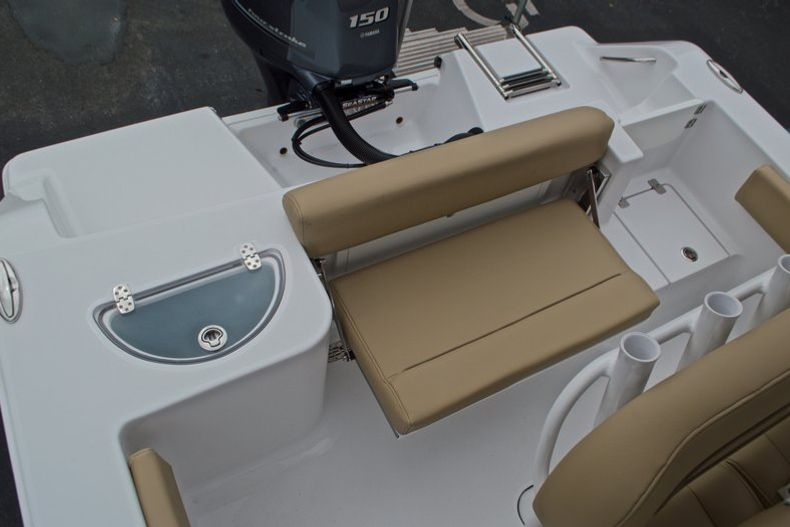 Thumbnail 15 for New 2017 Sportsman Open 212 Center Console boat for sale in Miami, FL