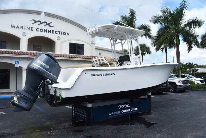 Thumbnail 7 for New 2019 Sportsman Heritage 231 Center Console boat for sale in Fort Lauderdale, FL