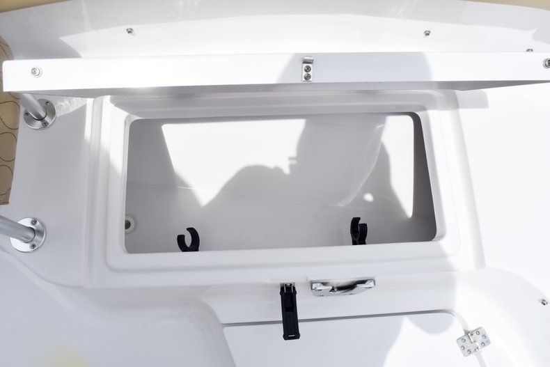 Thumbnail 48 for New 2019 Sportsman Heritage 231 Center Console boat for sale in Fort Lauderdale, FL