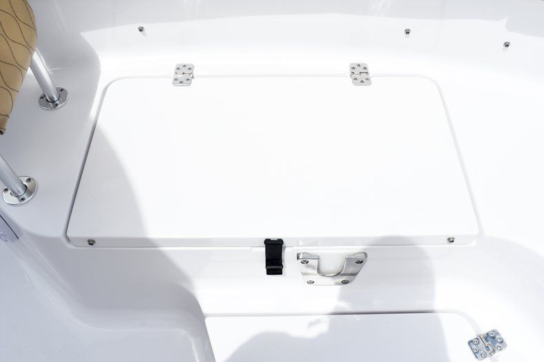 Thumbnail 47 for New 2019 Sportsman Heritage 231 Center Console boat for sale in Fort Lauderdale, FL