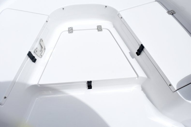Thumbnail 51 for New 2019 Sportsman Heritage 231 Center Console boat for sale in Fort Lauderdale, FL