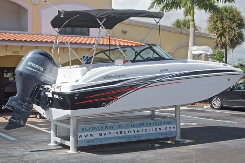 Thumbnail 9 for New 2017 Hurricane SunDeck SD 187 OB boat for sale in West Palm Beach, FL