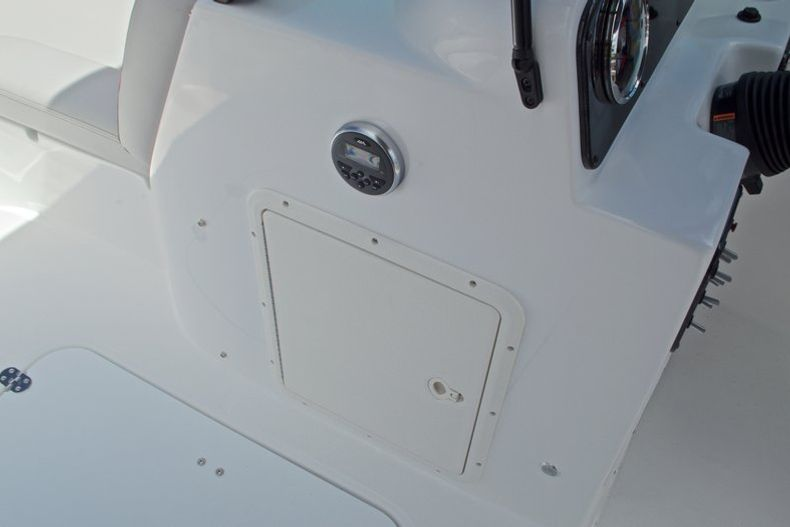 Thumbnail 29 for New 2017 Hurricane SunDeck SD 187 OB boat for sale in West Palm Beach, FL