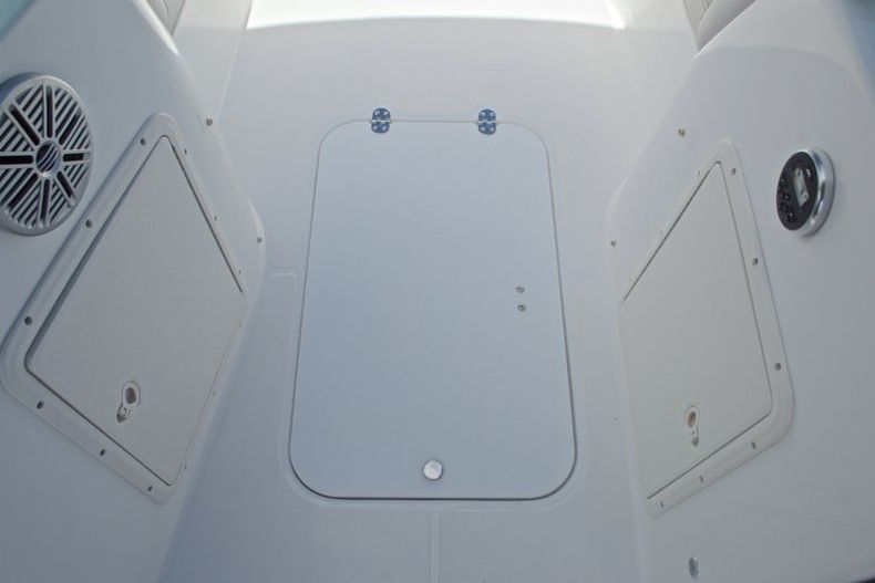 Thumbnail 27 for New 2017 Hurricane SunDeck SD 187 OB boat for sale in West Palm Beach, FL