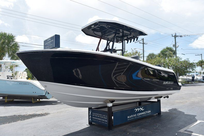 Thumbnail 4 for New 2019 Blackfin 212CC Center Console boat for sale in West Palm Beach, FL