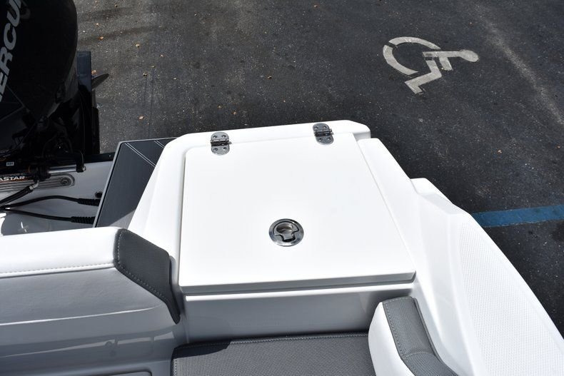 Thumbnail 17 for New 2019 Blackfin 212CC Center Console boat for sale in West Palm Beach, FL