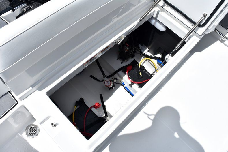 Thumbnail 20 for New 2019 Blackfin 212CC Center Console boat for sale in West Palm Beach, FL