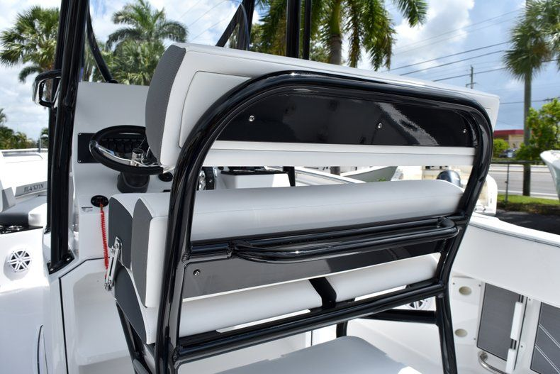 Thumbnail 26 for New 2019 Blackfin 212CC Center Console boat for sale in West Palm Beach, FL