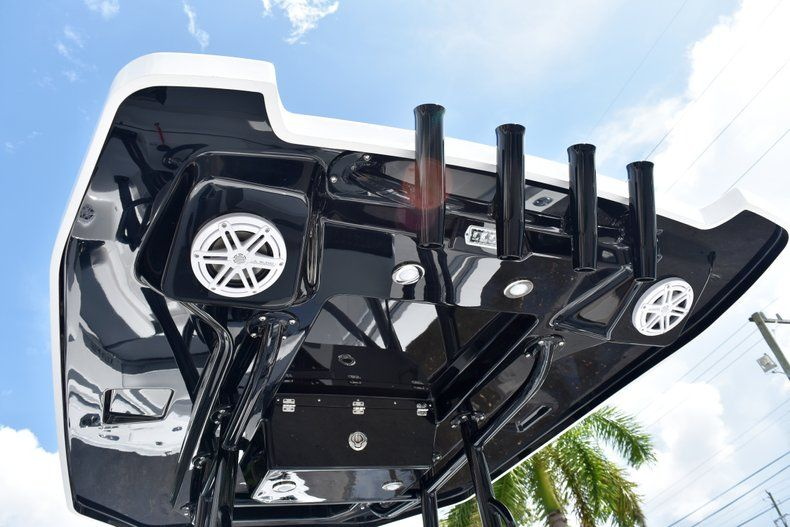 Thumbnail 29 for New 2019 Blackfin 212CC Center Console boat for sale in West Palm Beach, FL
