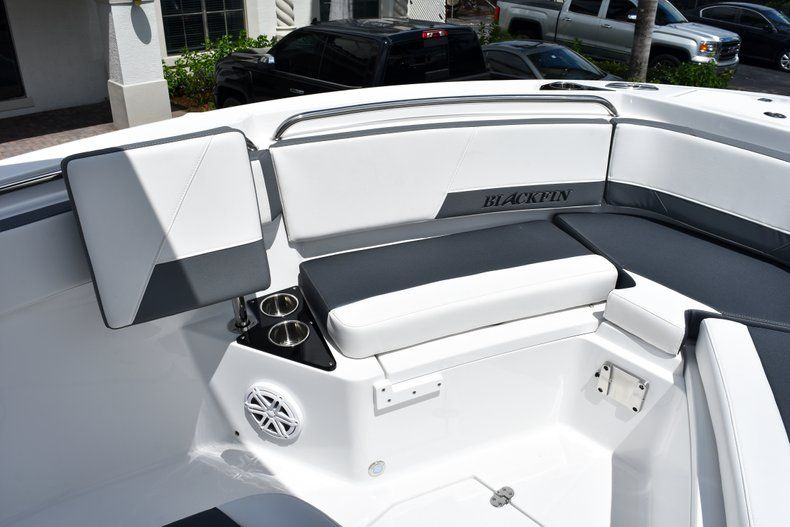 Thumbnail 53 for New 2019 Blackfin 212CC Center Console boat for sale in West Palm Beach, FL