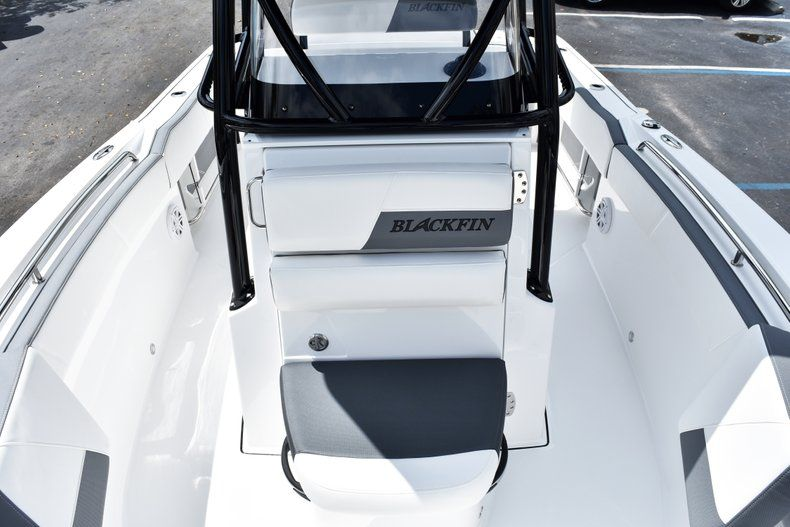 Thumbnail 50 for New 2019 Blackfin 212CC Center Console boat for sale in West Palm Beach, FL