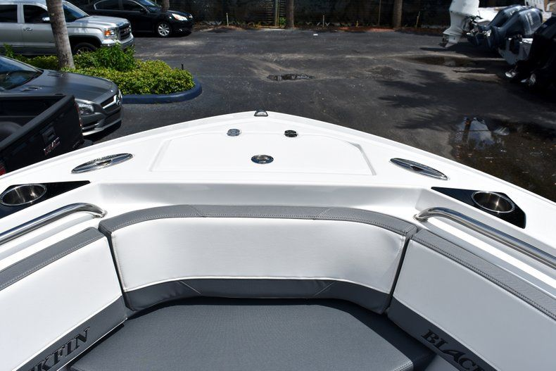Thumbnail 58 for New 2019 Blackfin 212CC Center Console boat for sale in West Palm Beach, FL