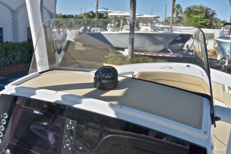 Thumbnail 28 for New 2018 Sportsman Heritage 211 Center Console boat for sale in West Palm Beach, FL
